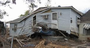 「Hurricane Katrina makes landfall near New Orleans, Louisiana, as a Category 4 hurricane」の画像検索結果