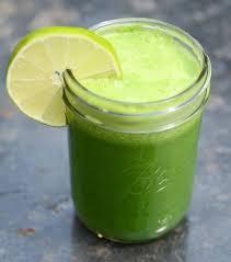 Resultado de imagen para Una corte de piña 1 manzana Una parte mediana de sábila o Aloe vera Un medio de pepino verde El zumo de una naranja Ingredientes
