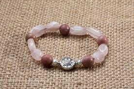 <b>Браслет</b> оберег из натуральных камней (<b>родонит</b> , <b>розовый кварц</b>)