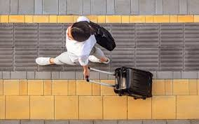Прочитайте: Какой <b>чемодан</b> купить для отпуска и командировок ...