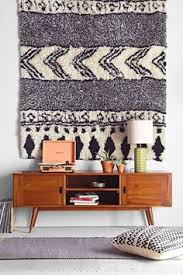 why stylists use rugs as wall hangings and you should too charming pernk dining room