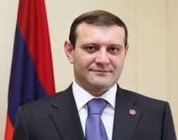 Erevani qaghaqapet Taron Margaryani ugherdzy: Verjin zangi kapakcutyamb. - taron-margaryany-shn-n36682-1