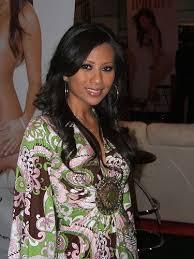 Foto Dan Profil Christina Hadiwijaya