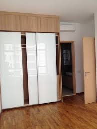 Sliding Door Bedroom Furniture Unpolished Oak Wood Buil In Wardrobe For Small Bedroom With White