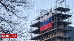 <b>Russian flag</b> flown on Salisbury Cathedral 'disrespectful' - BBC News