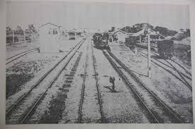 「1874年 - 新橋駅近くで横浜発の列車が脱線」の画像検索結果