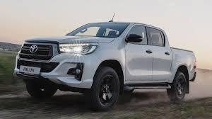 В РФ стартовали продажи топовой версии пикапа Toyota Hilux ...