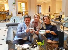 Having a tea with Claudia and <b>Thomas Anders</b>