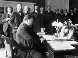 oval office history president taft william h taft chief justice of the supreme court president chair aac22 roble lacado