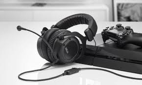 <b>Beyerdynamic Custom Game</b> Gaming Headset Review: Great for ...