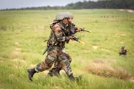 பாகிஸ்தான் ராணுவத்தின் 4 நிலைகளை தகர்த்த இந்திய வீரர்கள்