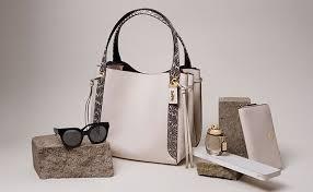 <b>Women's Shoulder Bags</b> | COACH®