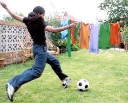 englishresources   bend it like beckhambenditlikebeckham still   kicking ball jpg