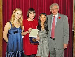 osler essay contest de re medica osler essay finalists medal and dr del maestro