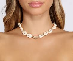 <b>Shell Choker Necklace</b> – Windsor