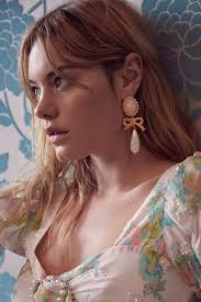<b>Cameo Pearl</b> Drop Earrings – For Love & Lemons