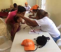 Resultado de imagen para Obras Públicas lleva operativo médico y de fumigación a comunidades Barahona