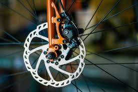 What's the Difference Between Rim Brakes and <b>Disc Brakes</b>? - Co ...