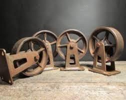 """Résultat de recherche d'images pour """"vieille chaise à roulette ancienne"""""""