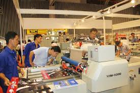 Bảo dưỡng và theo dõi định kỳ máy công nghiệp thường xuyên.