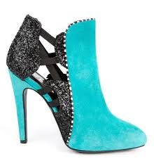 Les chaussures 2014 la folie pour les filles! Images?q=tbn:ANd9GcTpy7D4pTLGcmLpkrFF0tPD1WNi0r7GBEptzNylgN4aKpGHtgzslA