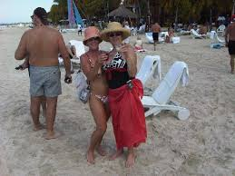 A right pair of DRUNKS at <b>Christmas beach Party</b> - Picture of ...
