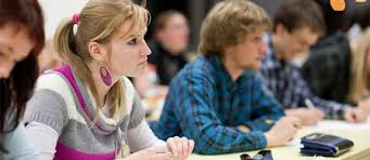 33 Factors for How to Choose a College college students lecture