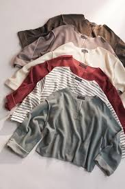 Women's <b>T Shirts</b>: Cropped & Oversized | Urban Outfitters
