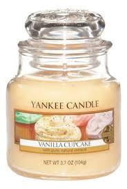 <b>Ароматическая свеча Vanilla Cupcake</b> Yankee Candle купить ...