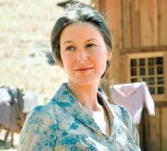 Sau khi hoàn thành vai diễn tròn trịa của mình trong Ngôi nhà nhỏ trên thảo nguyên, Karen đã trở thành khách mời của nhiều show truyền hình. - 1380302606-cac-dien-vien-phim-ngoi-nha-nho-tren-thao-nguyen-gio-ra-sao-anh-3