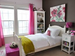 Simple Bedroom Designs For Small Rooms Romantic Small Bedroom Decorating Ideas Thumb Small Bedroom