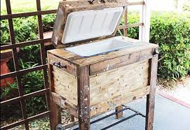 easy pallet project ideas diy outdoor furniture tutorials diy rustic cooler box diy build pallet furniture