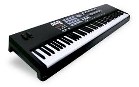 <b>MIDI</b>-<b>клавиатура Akai Pro</b> MPK88