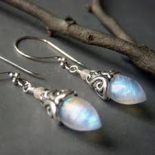 <b>WATER DROP PEARL</b> ANTIQUE SILVER EARRING | Aurimblair