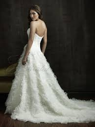 Fitted Bodice Dress Ball Gown Organza Fitted Bodice Sweetheart Neckline Chapel Length Train Wedding Dresses