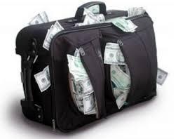 Resultado de imagem para avião cheio de dinheiro