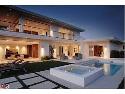 Photo: house/residence of the fun charming handsome  70 million earning Los Angeles, CA, United States-resident