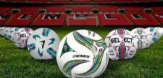 Как правильно выбрать <b>футбольный мяч</b> - советы по подбору ...
