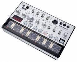 Аналоговый <b>синтезатор Korg Volca Bass</b> купить в Санкт ...