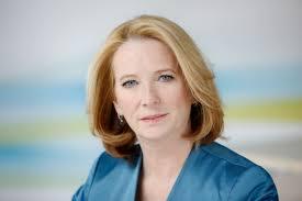 Doris BURES Bundesministerin für Verkehr, Innovation und Technik. Tausende Frauen werden von der Österreichischen Krebshilfe per E-Mail oder SMS rechtzeitig ... - Bures_Portrait