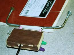 Hot-<b>wire</b> foam <b>cutter</b> - Wikipedia
