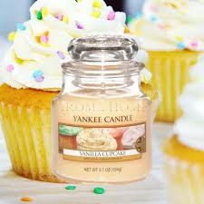 Купить <b>Vanilla Cupcake</b> маленькую <b>ароматическую свечу</b> ...