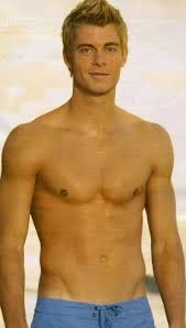 What is the height of Luke Mitchell?