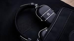 <b>Boss Waza</b>-Air - и наушники, и <b>гитарный усилитель</b>!   Hi-Fi.ru