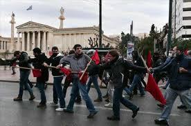 اثينا - اشتباكات بين الشرطة اليوناينة ومحتجين على حالة التقشف