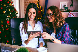 holiday office party etiquette tips reader s digest just say yes istock pekic rsvp to your company holiday party