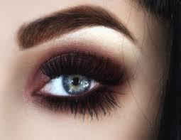 dark brown smokey eye makeup for blue eyes