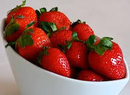 جديد مطبخ قمراي ***فاكهة مدللة فاكهة الحب الفراولة الانيقة اللذيذة شاركونا باحلى الوص images?q=tbn:ANd9GcTyF5bnmEchdbzZ9entpyEeap02EnmJzfdh3rAEPCddU0qE6Nsd