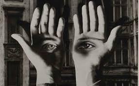 Resultado de imagen de espejo surrealista