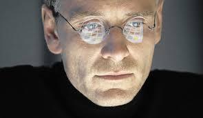 steve jobs segons william shakespeare michael fassbender caracteritzat com el fundador d apple en un fotograma de steve jobs